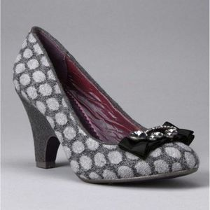 Poetic License Gray Charm School Pump